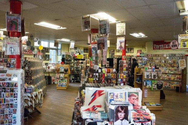 Vintage Magazine shop 2