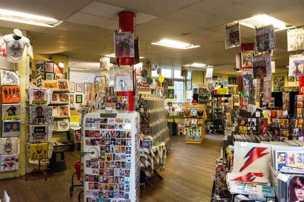 Vintage Magazine shop 3